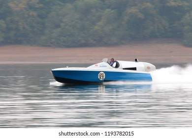 Bewl Water, Maidstone, Kent, England, U.K. - 09/26/2017. Sir Malcolm Campbells Bluebird K3 on Bewl Water after its new owner Karl F. Halbard (pilot) restored it. Speed record in 1937 at 129.5 m.p.h.