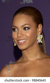 BEYONCE KNOWLES at the 2003 Billboard Music Awards at the MGM Grand, Las Vegas. December 10, 2003  Paul Smith / Featureflash