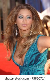 BEYONCE KNOWLES at the 2006 American Music Awards at the Shrine Auditorium, Los Angeles. November 21, 2006  Los Angeles, CA Picture: Paul Smith / Featureflash