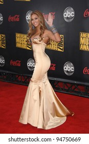 Beyonce Knowles at the 2007 American Music Awards at the Nokia Theatre, Los Angeles. November 19, 2007  Los Angeles, CA Picture: Paul Smith / Featureflash