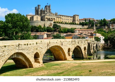Beziers Cathedral Saint-Nazaire and Pont Vieux languedoc roussillon  Herault France