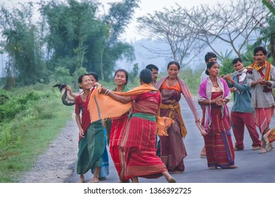 BHALUKPONG, ASSAM, INDIA – APRIL 16, 2005 : Tribal people of Assam performing traditional dance celebrates of Bihu, Assamese New Year festival (mid-April).