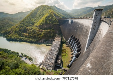 Bhumibol Dam, Concrete arch dam situated on the Ping River with Hydroelectric power station in Tak province, Thailand