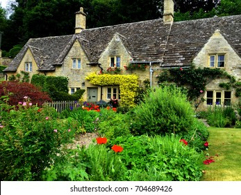 BIBURY Traditional Cotswold cottages in England, UK. A Charming Arlington Row Village in Gloucestershire, England