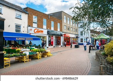 BICESTER, ENGLAND - SEPTEMBER 25, 2009: View of Sheep street in outlet village. Oxfordshire