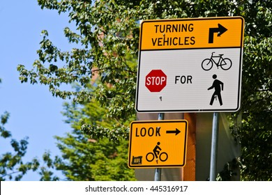 Bicycle crossing sign horizontal