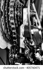 Bicycle gear set and derailleur mechanism details closeup