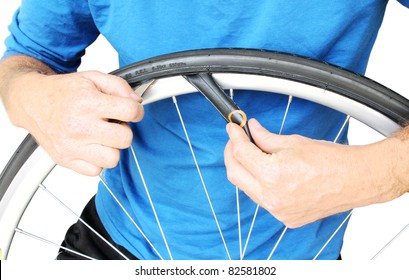 Bicycle maintenance. Fixing a flat tyre.