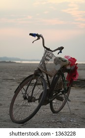 Bicycle on the banks of the Mekong - Laos