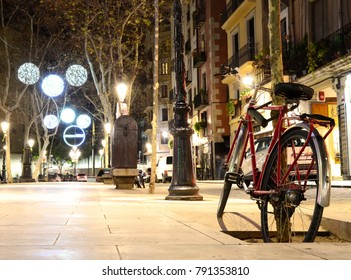 Bicycle on Passeig del Born - January 2018 - Barcelona, Spain