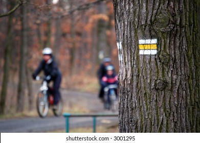 Bicycle path Mark