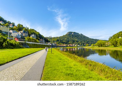 Bicycle path on the Elbe