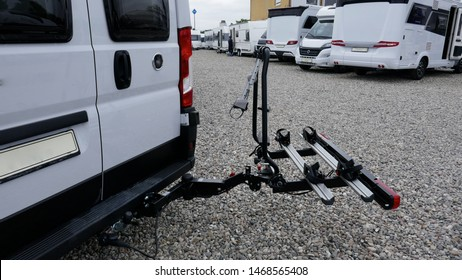 Bicycle rack at motorhome or van. Swiveling rear carrier for 2 bicycles.