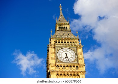 Big Ben with blue sky background