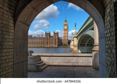 Big Ben framed by Westminster bridge