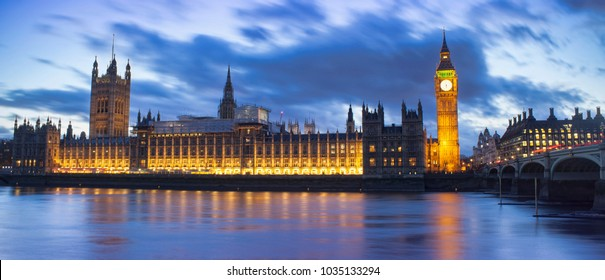 Big Ben and House of Parliament. Night scene in London city