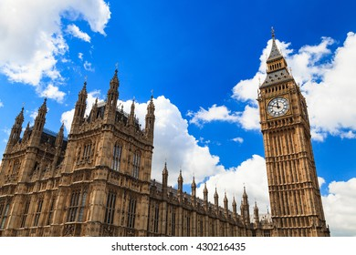 Big Ben and house of parliament on Sunny Day, London, UK