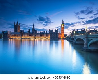 Big Ben and the Houses of Parliament at night in London, UK