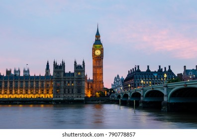 Big Ben in London at night