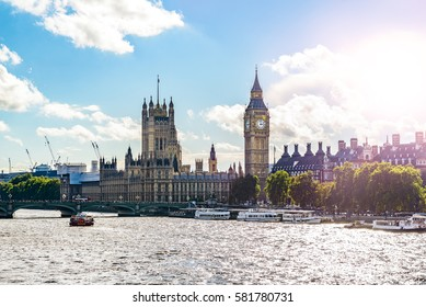 Big Ben, Parliament Building and Westminster Bridge on River Thames, with lens flare, London, UK, Europe