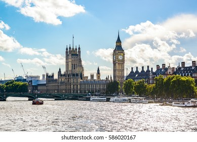Big Ben, Parliament Building and Westminster Bridge on River Thames, London, UK, Europe