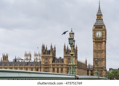 Big Ben and parliament houses on a cloudy morning in London, England