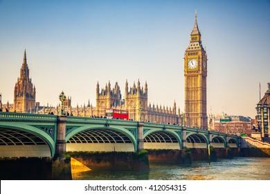 Big Ben und Westminster-Brücke in London