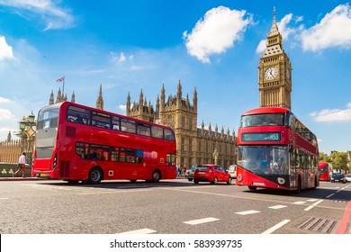 Big Ben, Westminster Bridge y autobús rojo de dos pisos en Londres, Inglaterra, Reino Unido