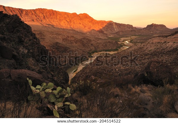 Big Bend National Park and Rio Grande river, border of United States and Mexico, Texas, United States.
