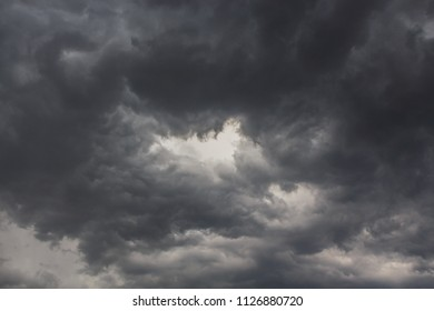 The big black clouds announce an important storm