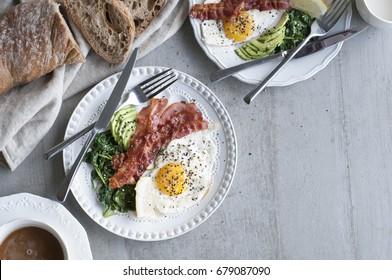 Big Breakfast (Bacon, eggs, avocado, spinach, bread, coffee)