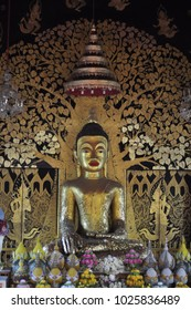 The big Buddha statue is a laterite Buddha image, similar to the art of Khmer art. Expected to build since the Sukhothai period. The width of 3 cubits, 8 cubits high, is a complete and beautiful Buddh