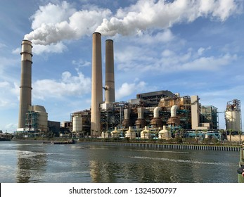 big industrial combustion power plant for generating power with lots of co2 gases causing global warming