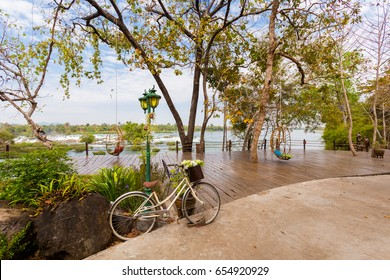 Big Khone Phapheng waterfall - don phapheng, don khong, si phan don on four thousand islands in Laos. Landscape of nature in south east asia during summer.