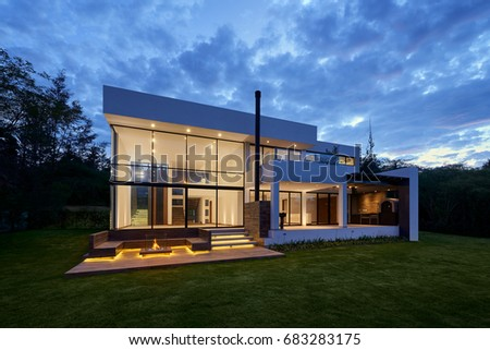 Big Modern Beautiful House Stock Photo Edit Now 683283175