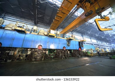Big press machine of rolling mill in in the manufacturing shop floor plant