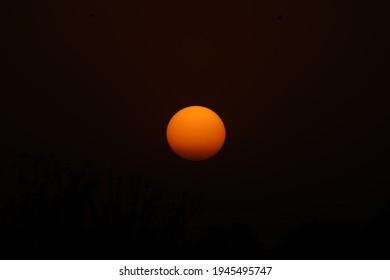 Big Red sun ball sun yellow big sunset