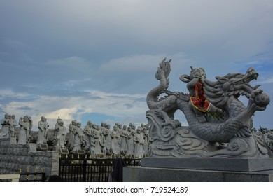 BIG STATUE INSIDE BUDDHIST TEMPLE IN BINTAN ISLAND