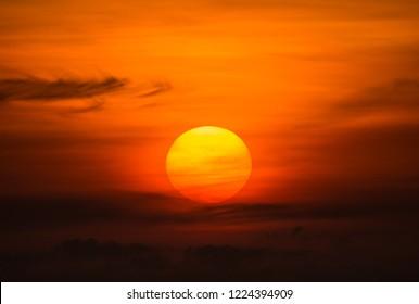 Big sun sky at beautiful sunset