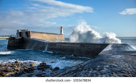 Big wave hit the jetty of la Chaume (Les Sables d'Olonne, France)