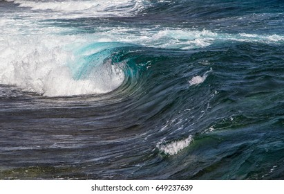 Big waves in the sea
