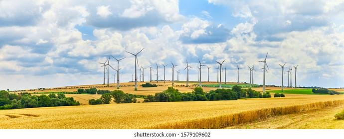 Ein großer Windpark in Norddeutschland