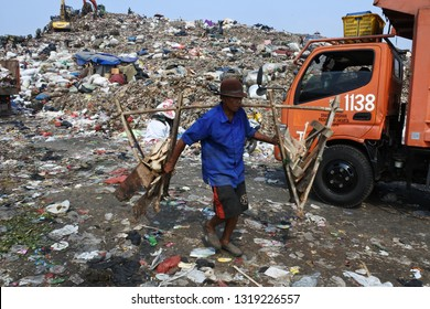 the biggest garbage dump in Indonesia, Bantar Gebang, Bekasi, Indonesia, September 27, 2018