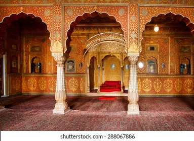 BIKANER, INDIA - MAR 4: Maharaja's resting room with arches in gold patterns inside 16th century Junagarh Fort on March 4, 2015. The 5.28 hectares large Fort precinct is studded with palaces, temples