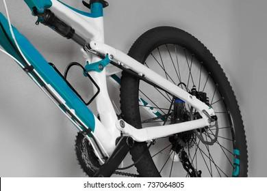 bike parts, chain, shock absorber, wheel, frame, mountain bike, brain