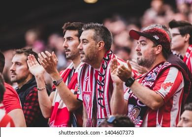 Bilbao, Spain. 06th May, 2019. Pais Vasco. San Mamés. Liga santander. Athletic Bilbao v RC Celta de Vigo: Athletic Bilbao fans clapping their hands  in the stands.