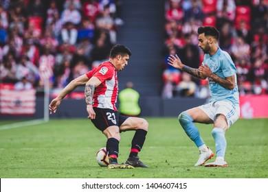 Bilbao, Spain. 06th May, 2019. Pais Vasco. San Mamés. Liga santander. Athletic Bilbao v RC Celta de Vigo: Ander Capa (#21) try to hide the ball against Brais Méndez (#23)