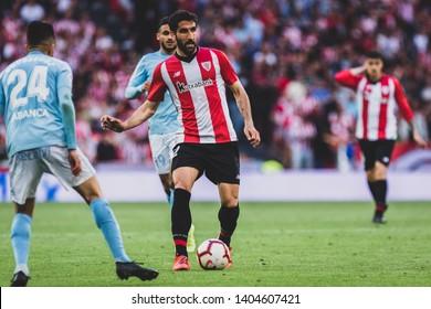 Bilbao, Spain. 06th May, 2019. Pais Vasco. San Mamés. Liga santander. Athletic Bilbao v RC Celta de Vigo: Raul garcia (#22) with the ball during the game