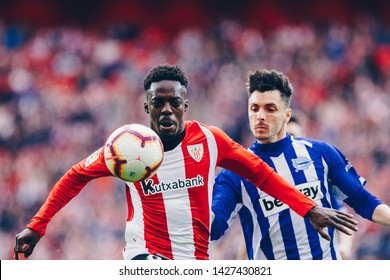 Bilbao, Spain. 27th April, 2019. Pais Vasco. San Mamés. Liga santander. Athletic Bilbao v D. Alavés: Iñaki Williams (#9) looking at the ball tries to controll it.