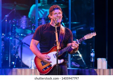 Billy Currington performs at the Paramount on May 10, 2019 in Huntington, New York.